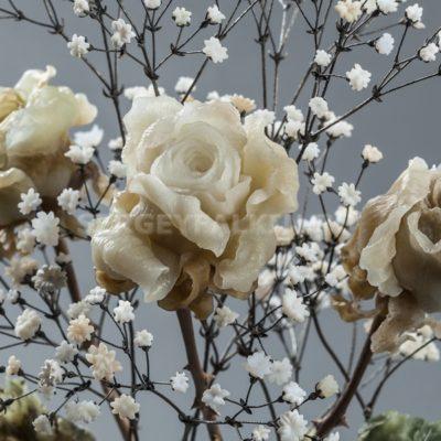 Розы из камня