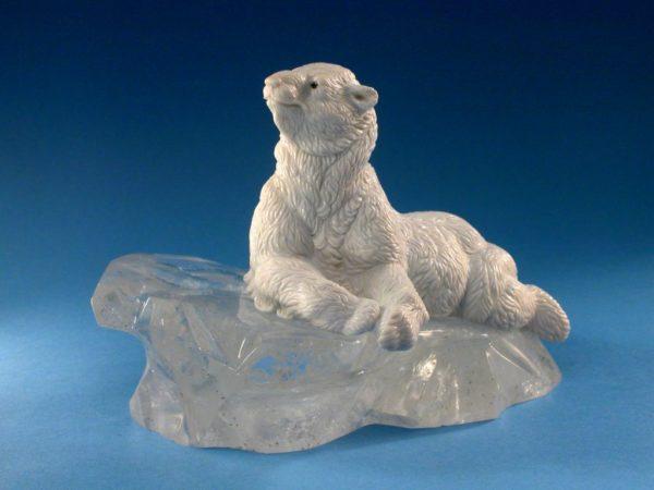 Белый медведь 124