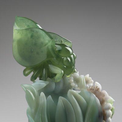"Скульптура ""Цикада"", хризопраз, калифорнит"