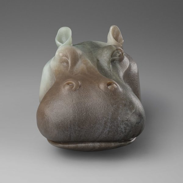 Скульптура Капля из нефрита как соединение натуралистичности и оригинальности пластического решения