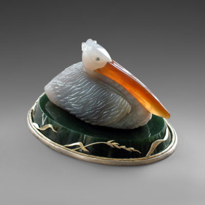 Пеликан из камня 063