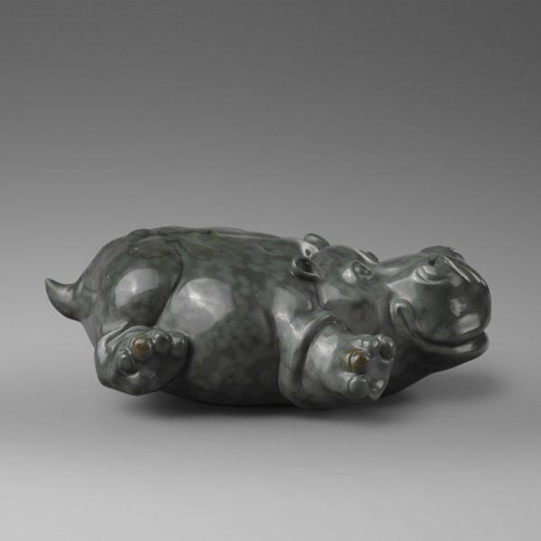 Скользящий по Лимпопо, натуралистичная скульптура бегемота, лишенная завышенной серьезности