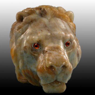Шкатулка-лев с гравировкой