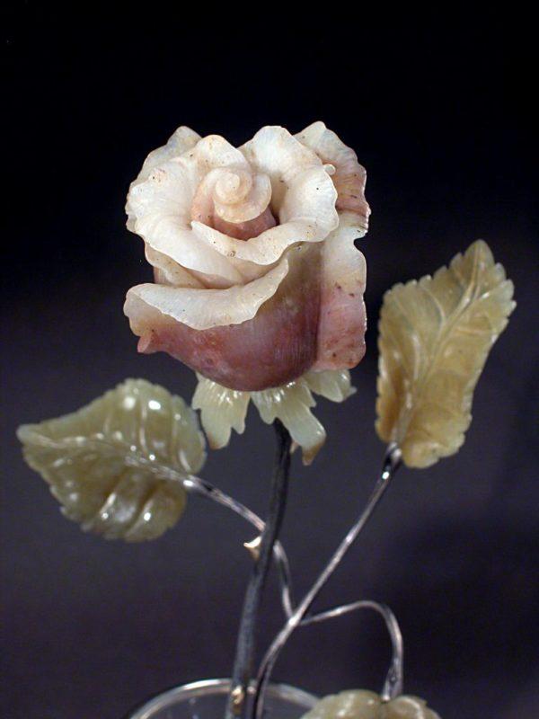 Роза в песочных часах