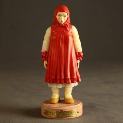 Девочка-крестьянка (реплика Фаберже)