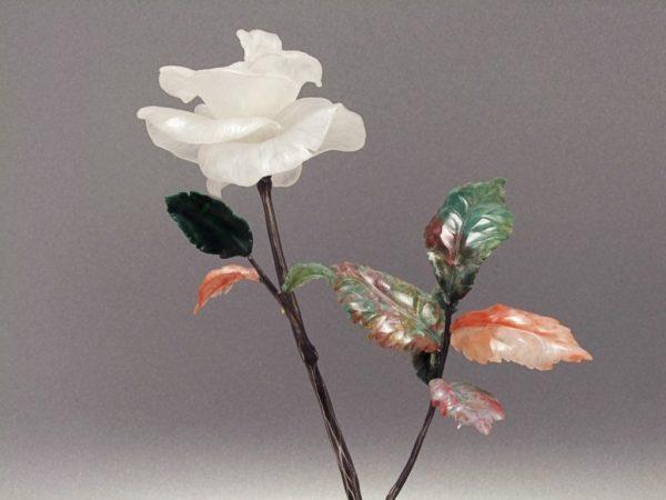 Роза из кварца