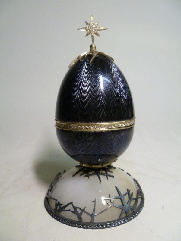 Яйцо-шкатулка Новогоднее черное