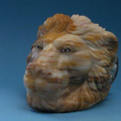 Шкатулка-лев с эмалью