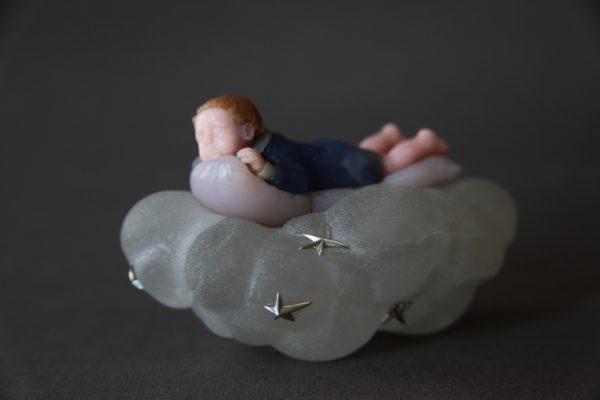 Мальчик на облаке