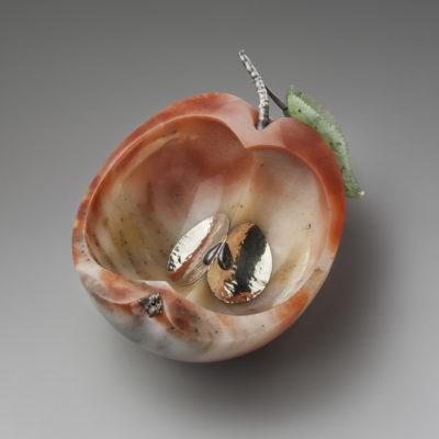 Открытая шкатулка Спелое яблоко