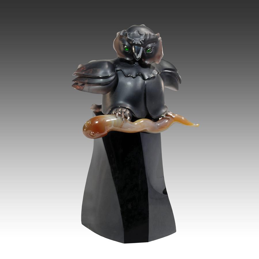 Гоша великолепный, камнерезная скульптура Сергея Фалькина
